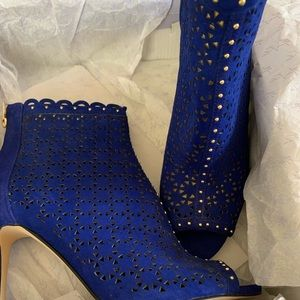 New!! Blue cage heels